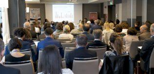 Le Community di consumatori e professionisti nell'Healthcare: strategie di analisi e best practice